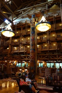 Lobby Totem Pole Disney's Wilderness Lodge from yourfirstvisit.net