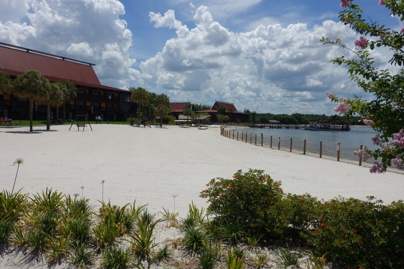 Beach Disney's Polynesian Village Resort from yourfirstvisit.net (2)