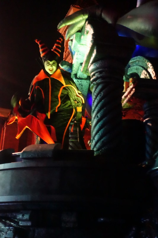 Mickey's Not-So-Scary Halloween Party (MNSSHP) from yourfirstvisit.ne (4)