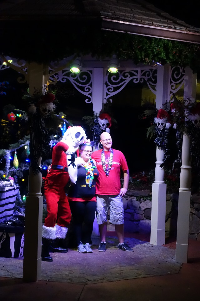 sandy-claws-mickeys-very-merry-christmas-party-from-yourfirstvisit-net