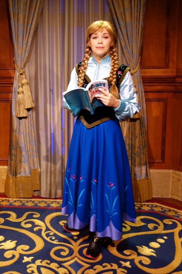 Anna Reciting from The easy Guide to Your First Walt DIsney World Visit