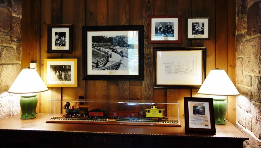 Railroad Memorabilia Villas at Disney's Wilderness Lodge from yourfirstvisit.net