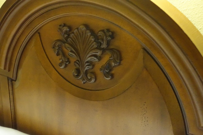 bed-detail-saratoga-springs-studio-from-yourfirstvisit-net