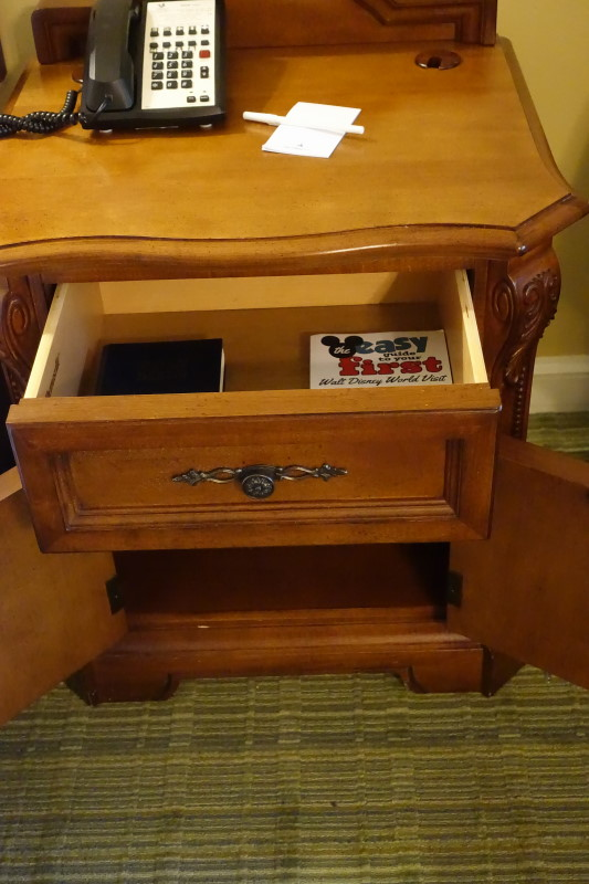 bedside-table-saratoga-springs-studio-from-yourfirstvisit-net