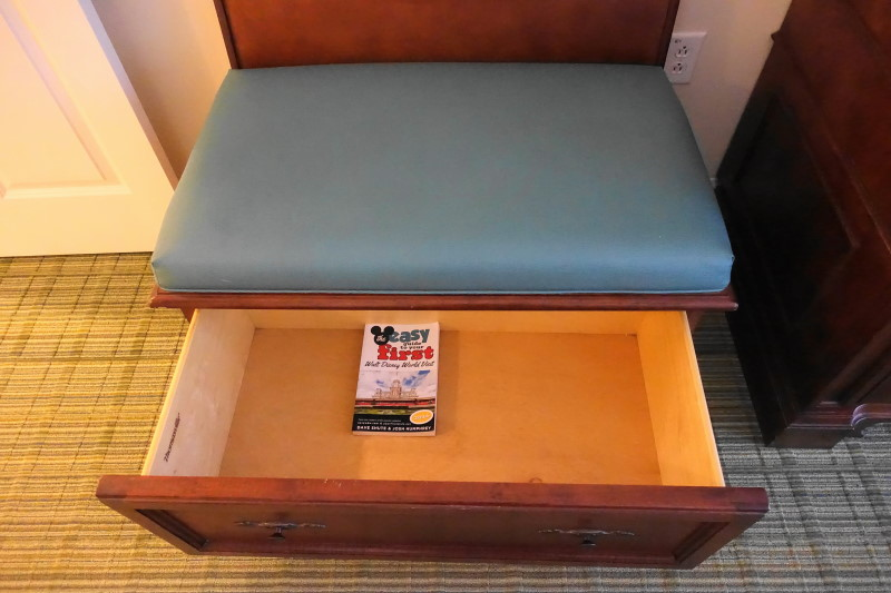 chest-storage-master-bedroom-villa-disneys-saratoga-springs-resort-from-yourfirstvisit-net