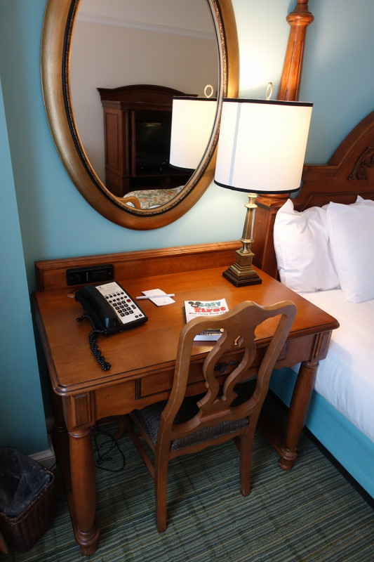 desk-master-bedroom-villa-disneys-saratoga-springs-resort-from-yourfirstvisit-net