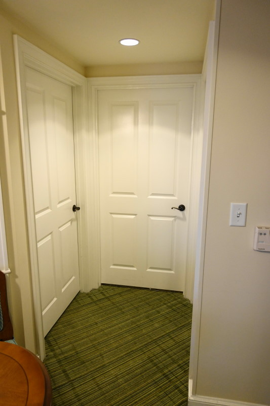 hallway-villa-disneys-saratoga-springs-resort-from-yourfirstvisit-net