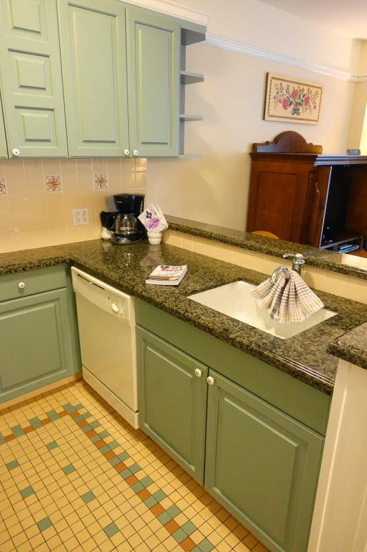 kitchen-living-dining-space-villa-disneys-saratoga-springs-resort-from-yourfirstvisit-net