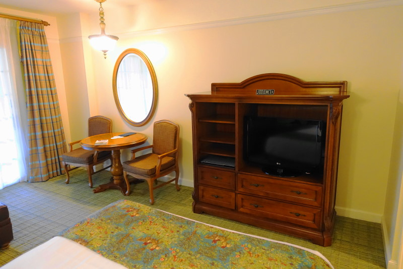 tv-side-saratoga-springs-studio-from-yourfirstvisit-net