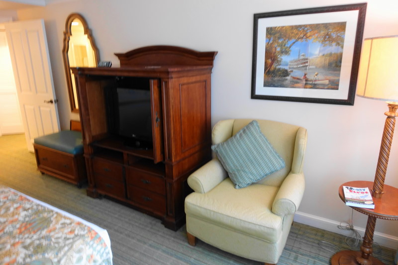 tv-side-from-back-master-bedroom-villa-disneys-saratoga-springs-resort-from-yourfirstvisit-net