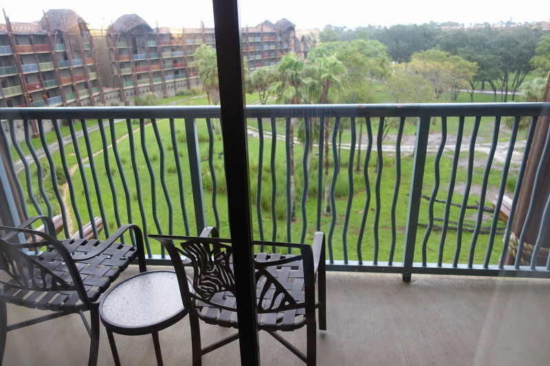 balcony-disneys-kidani-village-refurbed-studio-from-yourfirstvisit-net