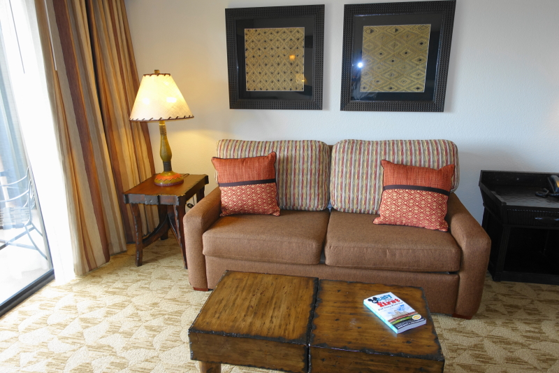 Couch Studio Animal Kingdom Jambo House Villas from yourfirstvisit.net