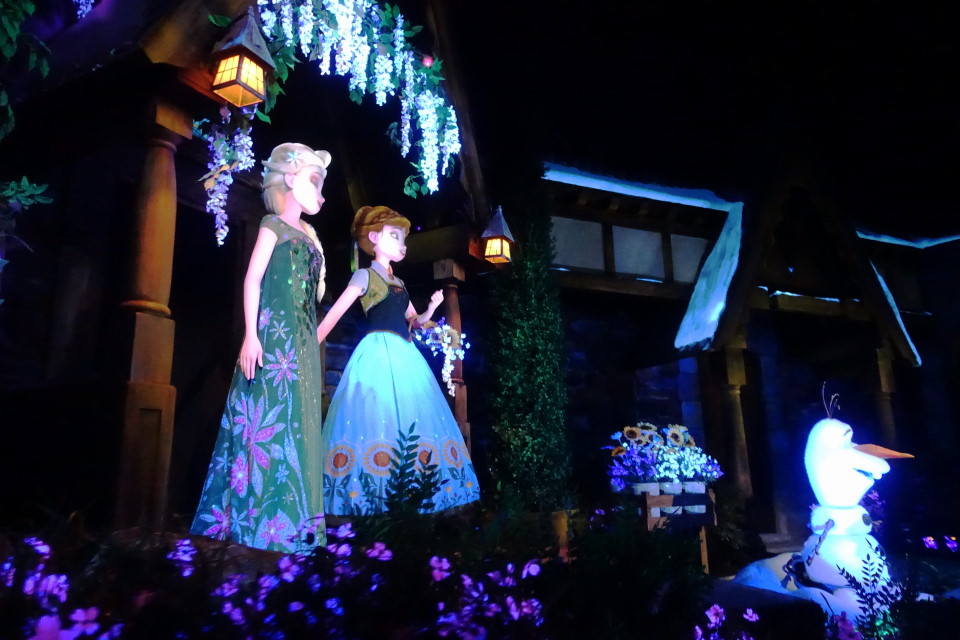 Frozen Ever After from yourfirstvisit.net (2)