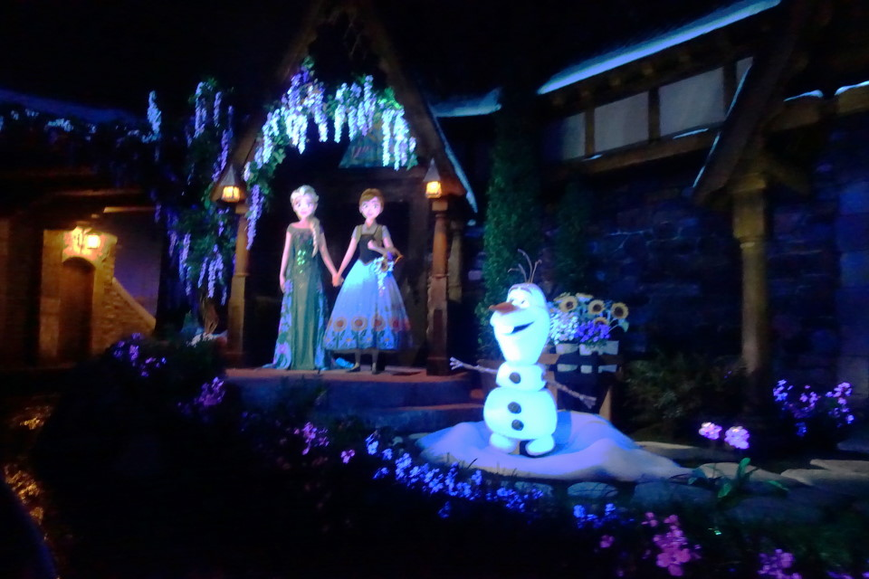 Frozen Ever After from yourfirstvisit.net (4)