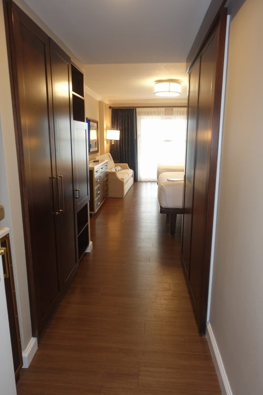 Photo Tour Of A Refurbed Room At Disney S Yacht Club